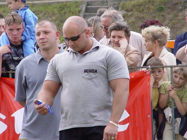 Kamil Bazelak jako sędzia na zawodach
