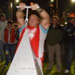 Kamil Bazelak na pokazach strongman w Białobrzegach (2)