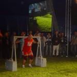 Kamil Bazelak na pokazach strongman w Białobrzegach -spacer buszmena 360kg