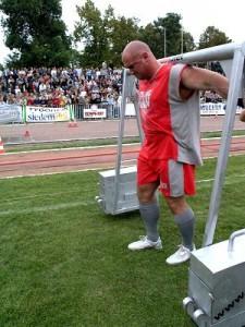 Kamil Bazelak -Mistrzostwa Polski Strongman Sieradz 2004