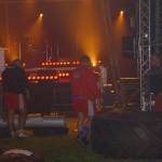 Strongmani na rozgrzewce na pokazach strongman w Białobrzegach