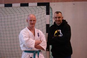 Zwycięzca K-1 Piotr Piotrowski z jednym ze swoich przeciwników