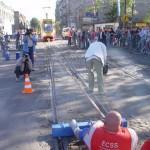 Kamil Bazelak przeciąga 38 tonowy tramwaj na pokazach strongman dla MPK w Łodzi (5)