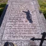 Zabytkowy-grób-żołnierzy-polegałych-na-polu-chwały-10-września-1939-roku-na-cmentarzu-w-miejscowości-Góra-Świętej-Małgorzaty