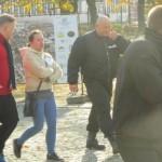 Piotr Olszewski, Marta Maranowska i Kamil Bazelak w Marszu Białych Serc w Mławie