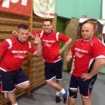 Kamil Bazelak wraz z członkami swojej drużyny
