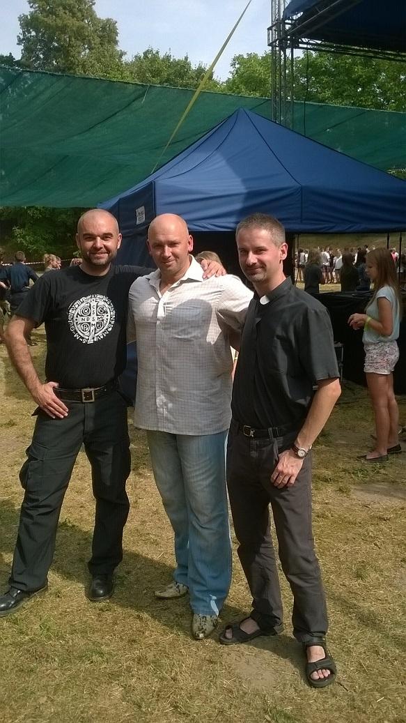 Kamil Bazelak i ks. Jacek Szewczyk na Campo Bosco