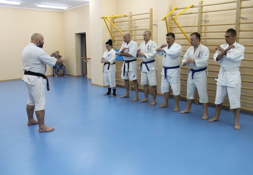 5-oboz-furo-karate-kamil-bazelak