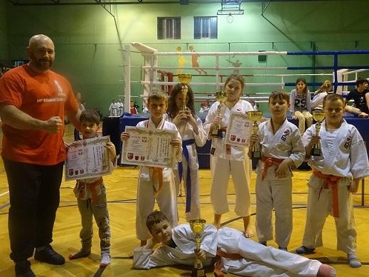 2-mistrzostwa-polski-kyokushin-ibk-kamil-bazelak-kajetan-binczakbartosz-chodakzuzanna-binczakmilena-kepkamarcel-gorski-oskar-nowakowskialeksander-piotrowicz
