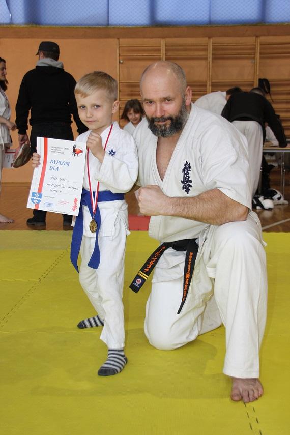 1 Mistrzostrzwa Gminy Andrespol Kyokushin IBK Kamil Bazelak i Janek Biały