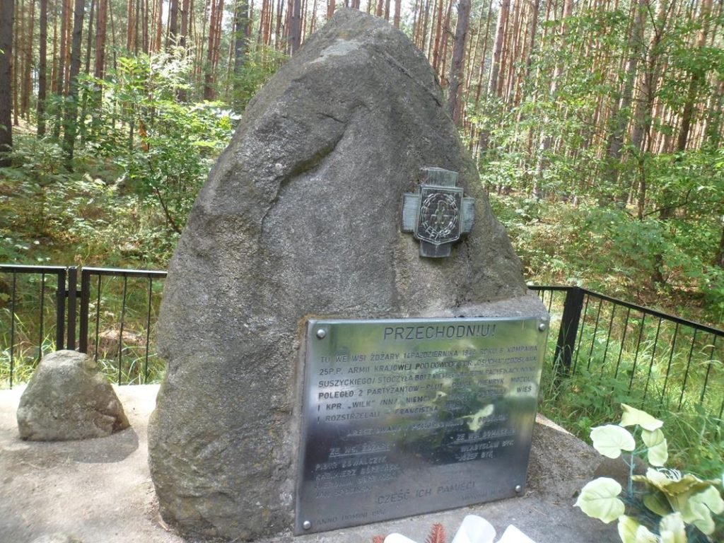 Żdżary miejsce pamięci walki partyzantów Osucha z Niemcami (2)
