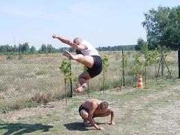 Kamil Bazelak trening yoko-tobi-geri