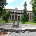 Pałac Padniewskich w Pilicy i klasycystyczna studnia