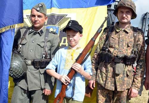 Ukraińscy banderowcy i faszyści SS Galizien....